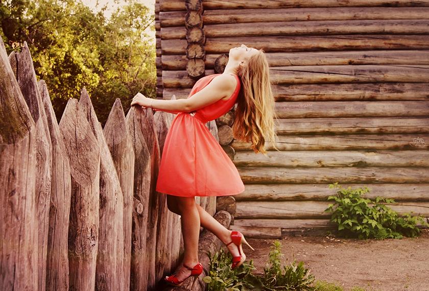 Photoshopで人物の服装や物の色を簡単に変更する方法を解説